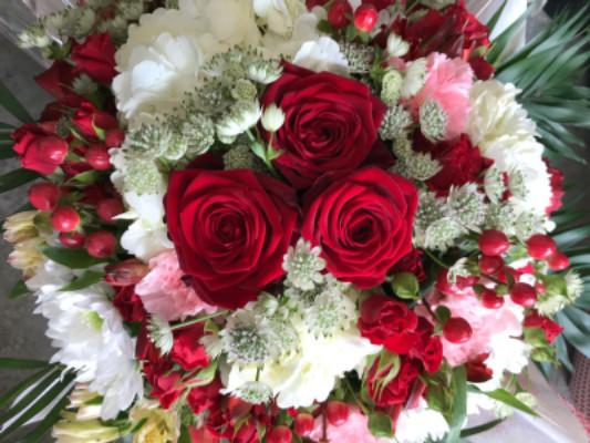 Livraison bouquets fleur Neoules artisan fleuriste Solemio Fleurs