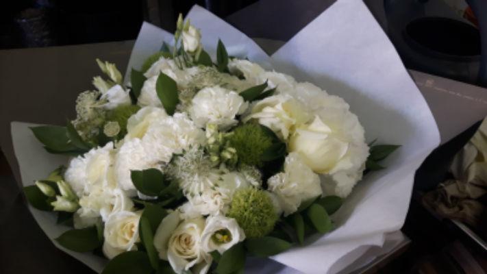 Livrer bouquet de fleurs Montreuil artisan fleuriste So Art Floral