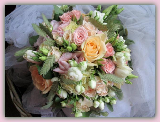 Offrir bouquet fleur Menomblet fleuriste créateur L'Orchidée