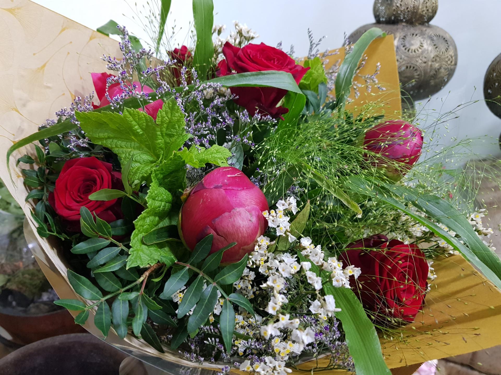 Faire livrer bouquet de fleur par artisan fleuriste Wisteria Fleuriste à Paris