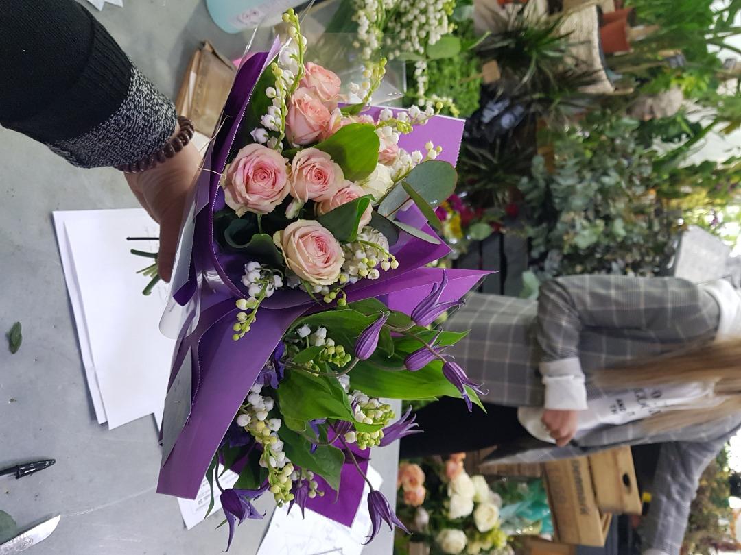 Commande compo floral fleuriste artisan Wisteria Fleuriste à Paris