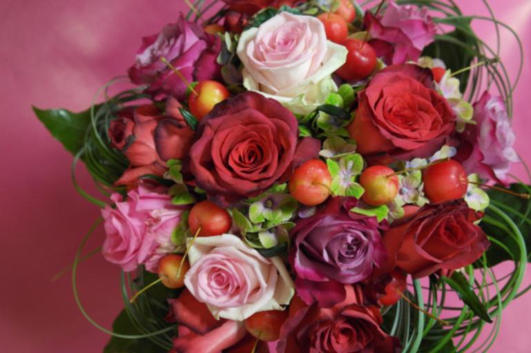 Commander bouquets Montreuil-Juigne fleuriste Fleurs de Lou