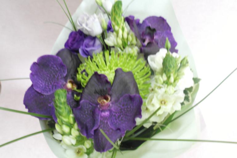 Envoi de bouquets fleur Montreuil-Juigne fleuriste Fleurs de Lou
