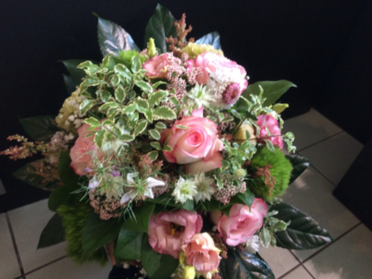 Envoie de bouquet de fleurs Saint-Etienne-De-Montluc fleuriste Les Jolies Choses