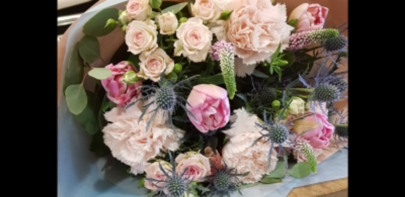 Faire livrer bouquet Saint-Etienne-De-Montluc fleuriste Les Jolies Choses