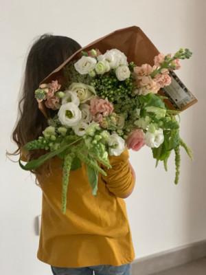 Offrir bouquet de fleur à domicile Les Oeillets d'Amour à Parigné-le-Pôlin