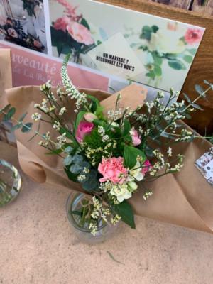 Livraison de bouquet sur mesure Mezeray fleuriste créateur Les Oeillets d'Amour