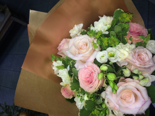 Faire livrer bouquet sur mesure Saint-Alban-De-Roche fleuriste Au Comptoir Floral