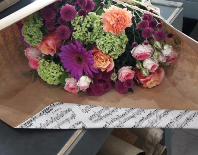 Faire livrer bouquet de fleurs Pouilley-Les-Vignes artisan fleuriste Le Chant des Fleurs