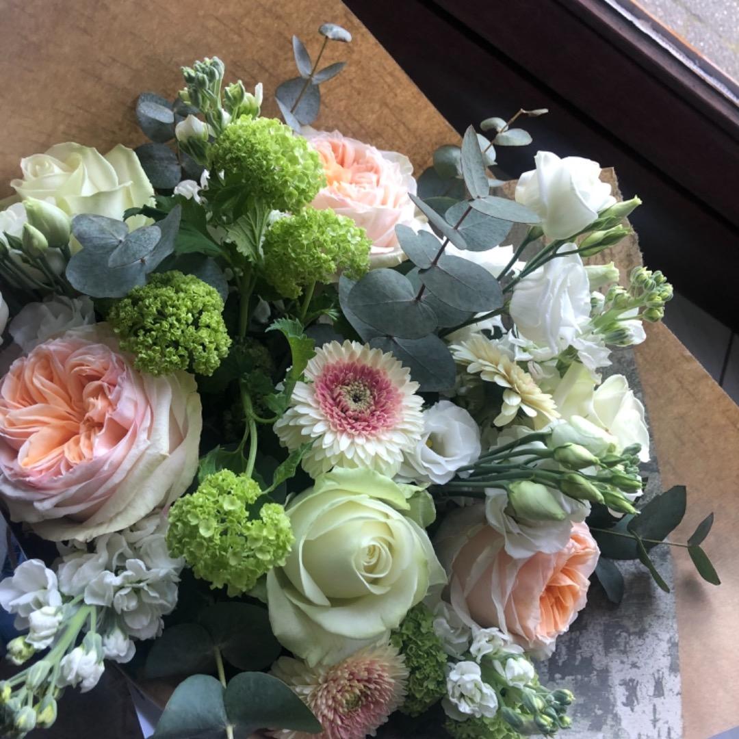 Envoi bouquet fleurs fleuriste artisan Fleur de Celle... à Ottignies-Louvain-La-Neuve