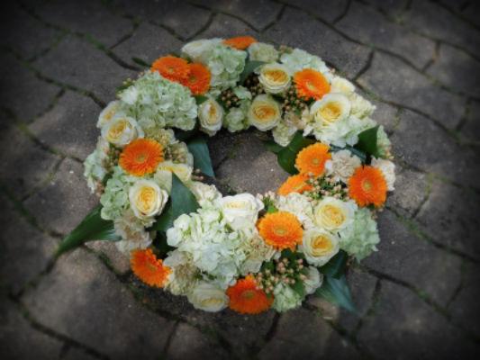 Commande bouquet sur mesure Moret-Sur-Loing fleuriste créateur Pleione