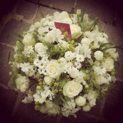 Envoie de composition florale Veneux-Les-Sablons artisan fleuriste Pleione