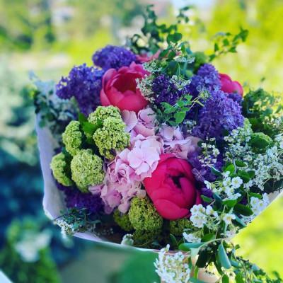 Envoi composition florale Moisselles fleuriste créateur Les Pipelettes Fleuries