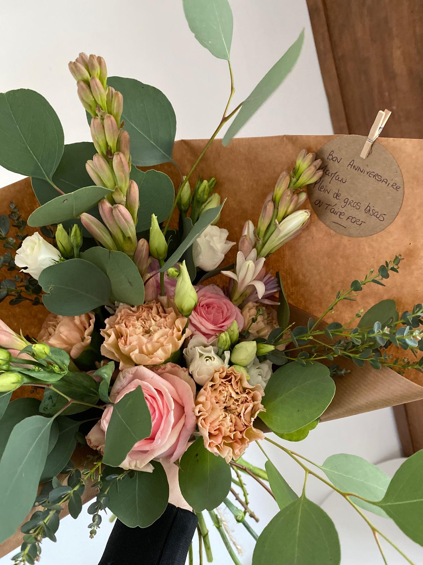 Livraison bouquet sur mesure par artisan fleuriste Les Oeillets d'Amour à Parigné-Le-Pôlin