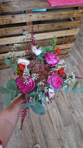 Livrer bouquet de fleur Monbequi artisan fleuriste Rose Bohème