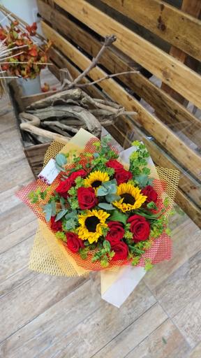 Livraison bouquets Monbequi artisan fleuriste Rose Bohème
