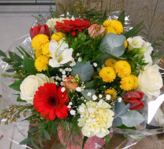 Livraison bouquet sur mesure Saint-Caprais fleuriste A la Magie de Léa