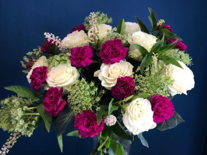 Envoyer des bouquets de rose a domicile mademoiselle A. à La Môle