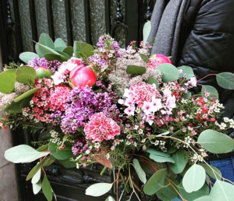 Faire livrer des fleurs fleuriste artisan Wisteria Fleuriste à Paris