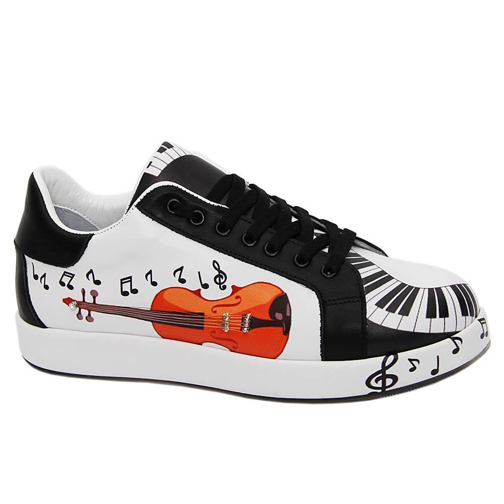 White Black Kyle Graphic Print Italian Leather Unisex Sneakers