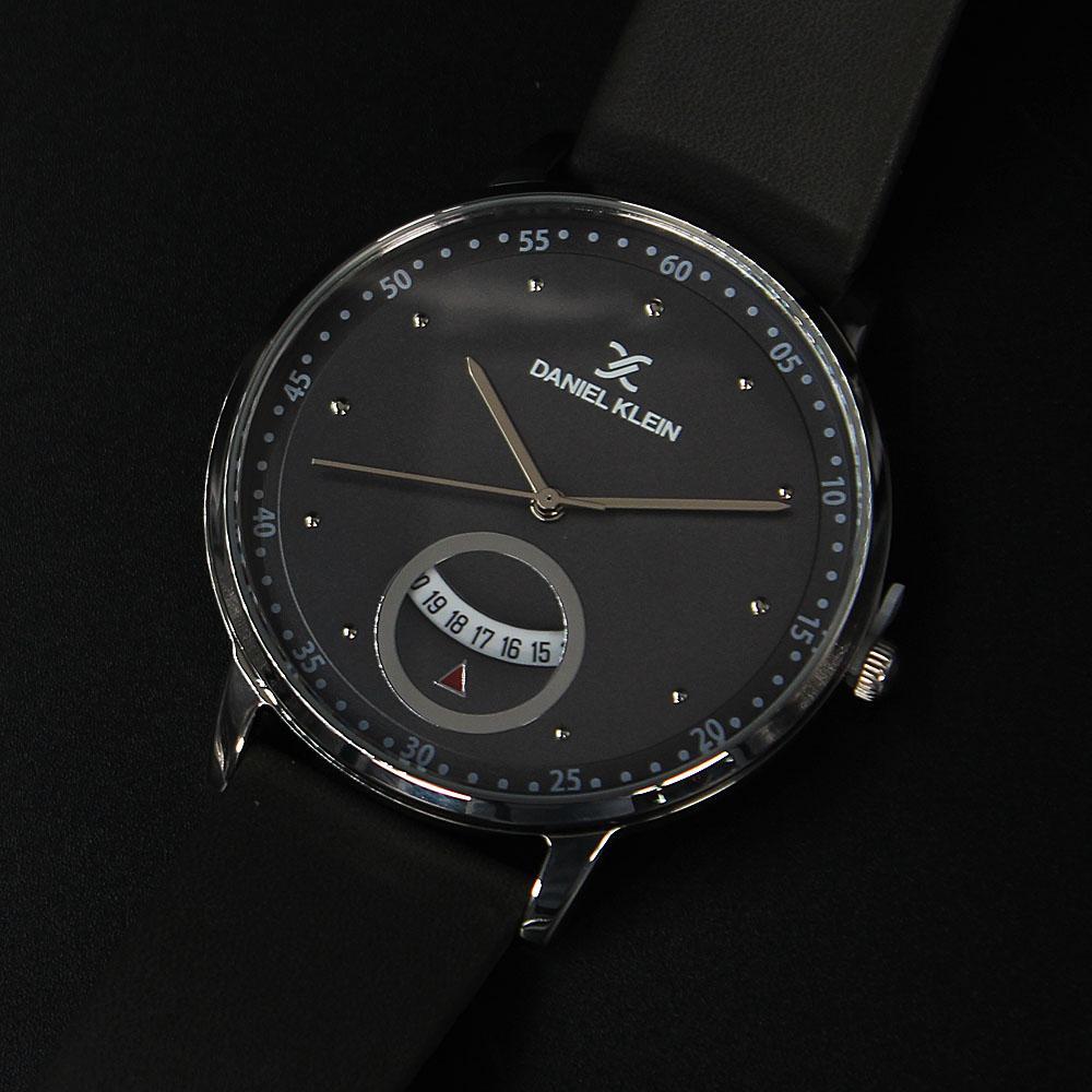 Daniel Klein Vintage Silver Gray Leather Flat Watch