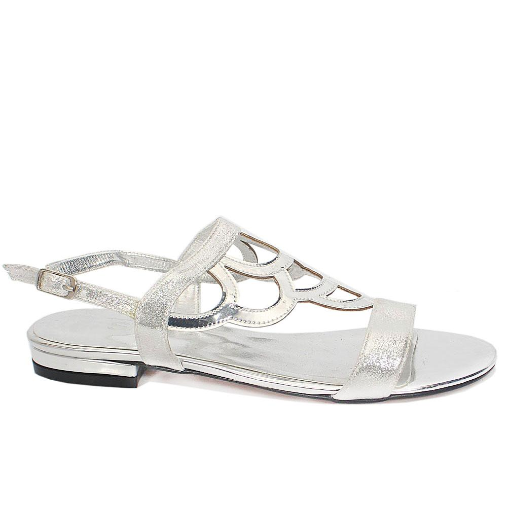 Sz 37 Abril Silver Shimmering Leather Open Toe Flat Sandals