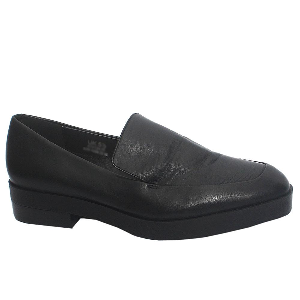 Black Giovanna Ladies Leather Flat Shoe