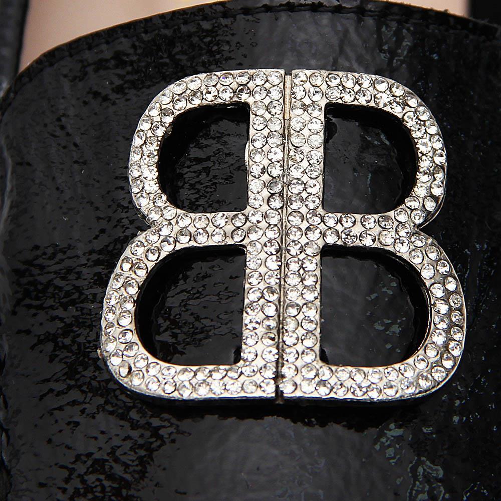 http://s3-eu-west-1.amazonaws.com/coliseumimages/square_24038cd8a1d941ec.jpg