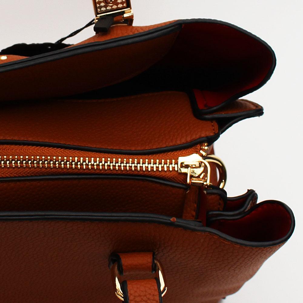http://s3-eu-west-1.amazonaws.com/coliseumimages/square_76ec046c957c4e03.jpg