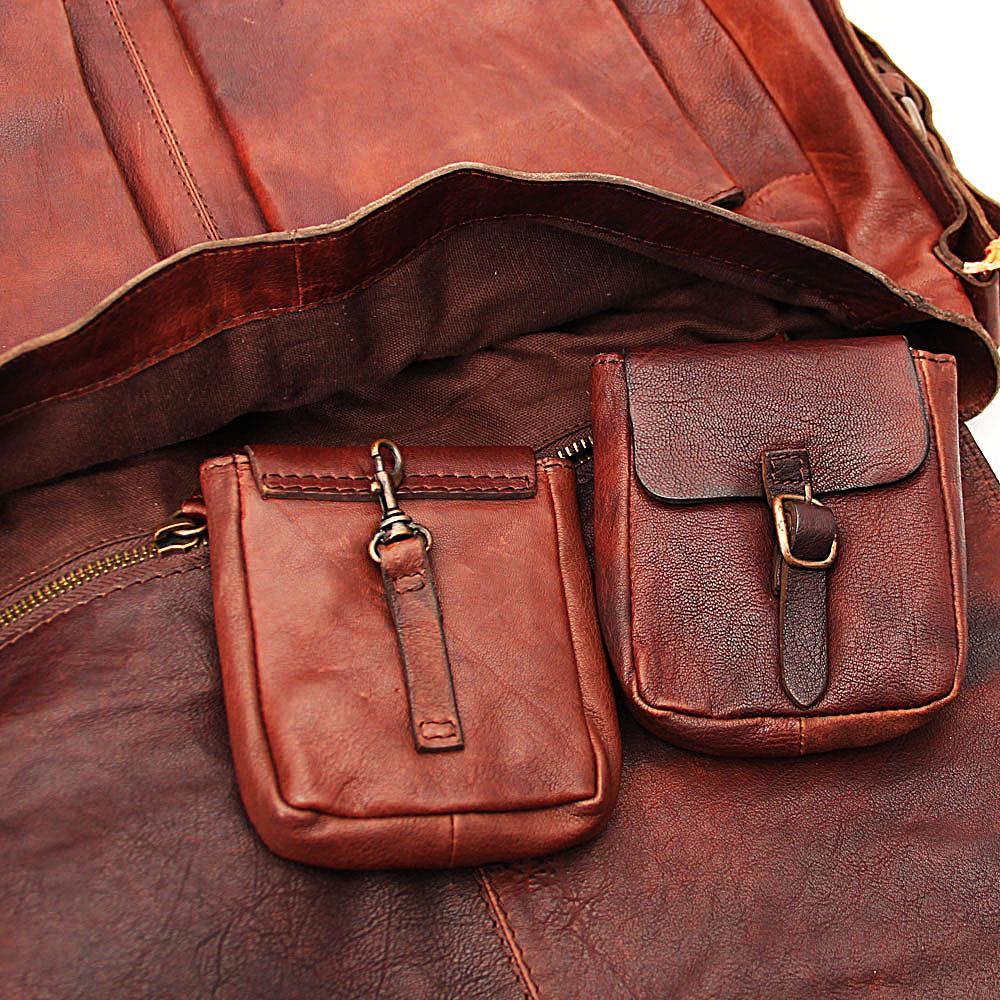http://s3-eu-west-1.amazonaws.com/coliseumimages/square_bd14330fd04f4b5a.jpg