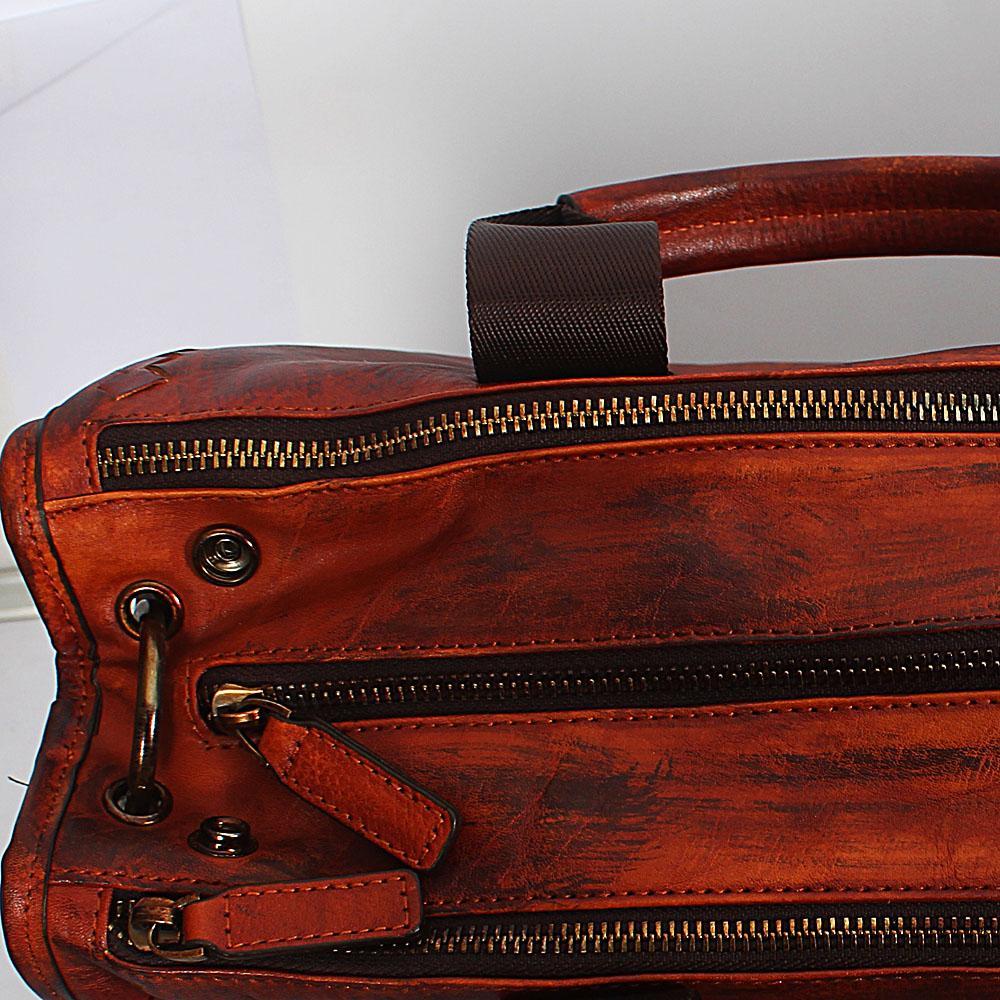 http://s3-eu-west-1.amazonaws.com/coliseumimages/square_f59e11163b944df2.jpg