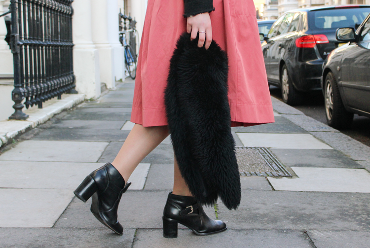 Cold Days with Midi Skirt | Look #82