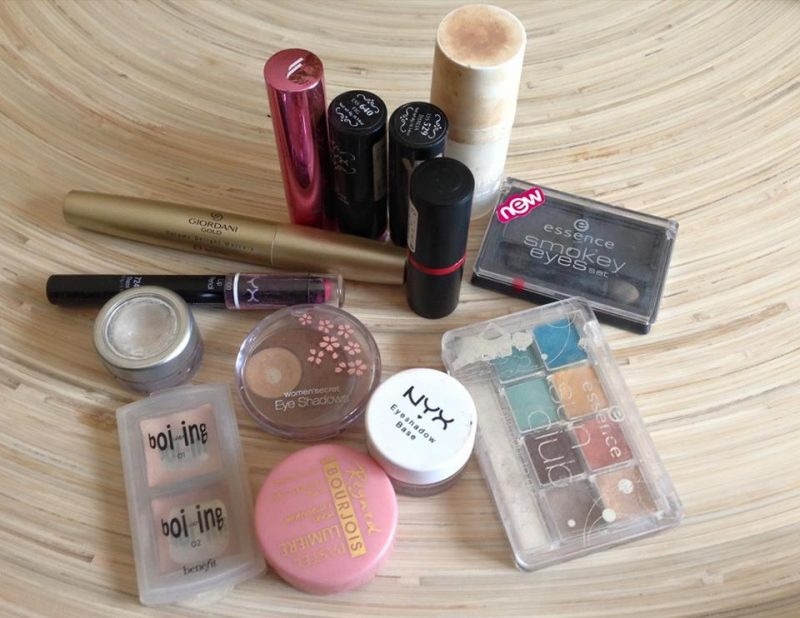 Make-up | Out of date…