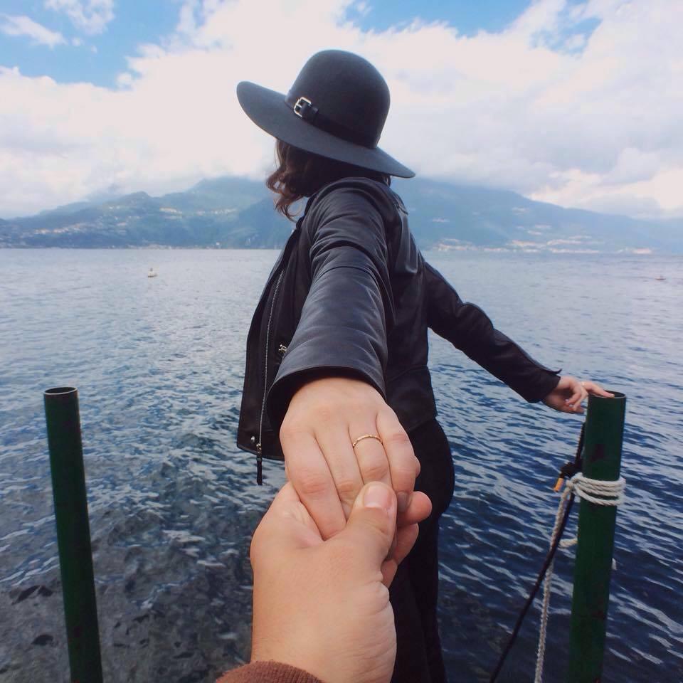 I'm engaged at Lake Como