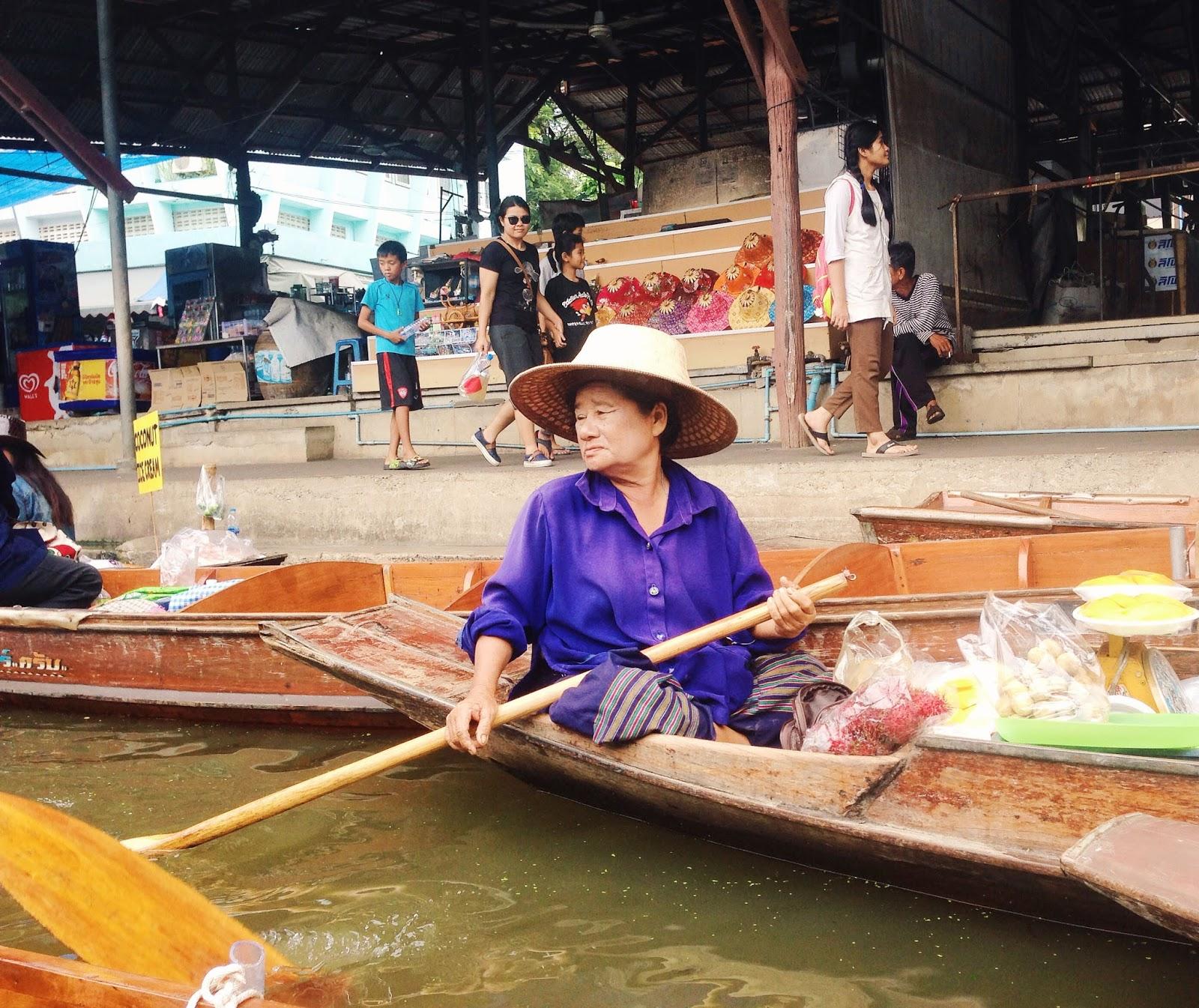 Bangkok guide floating market