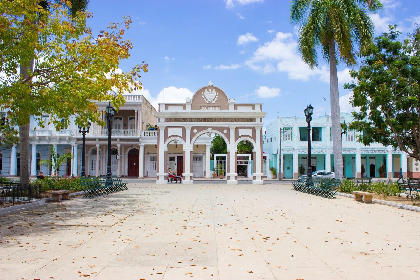 Cienfuegos_Cuba_Travel_Guide28729