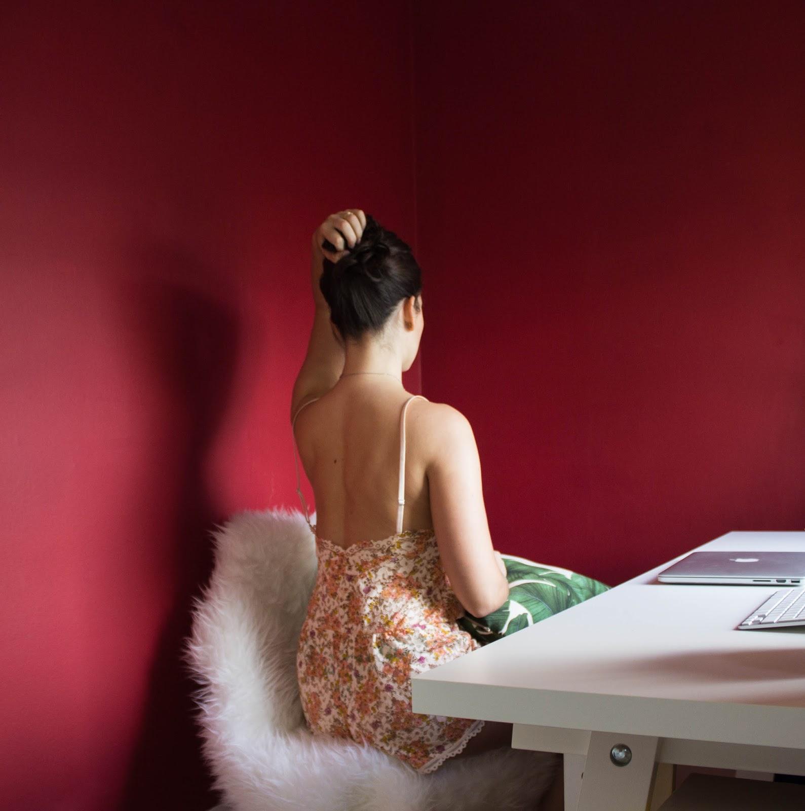 VictoriasSecret_Lace_Bodysuit_1