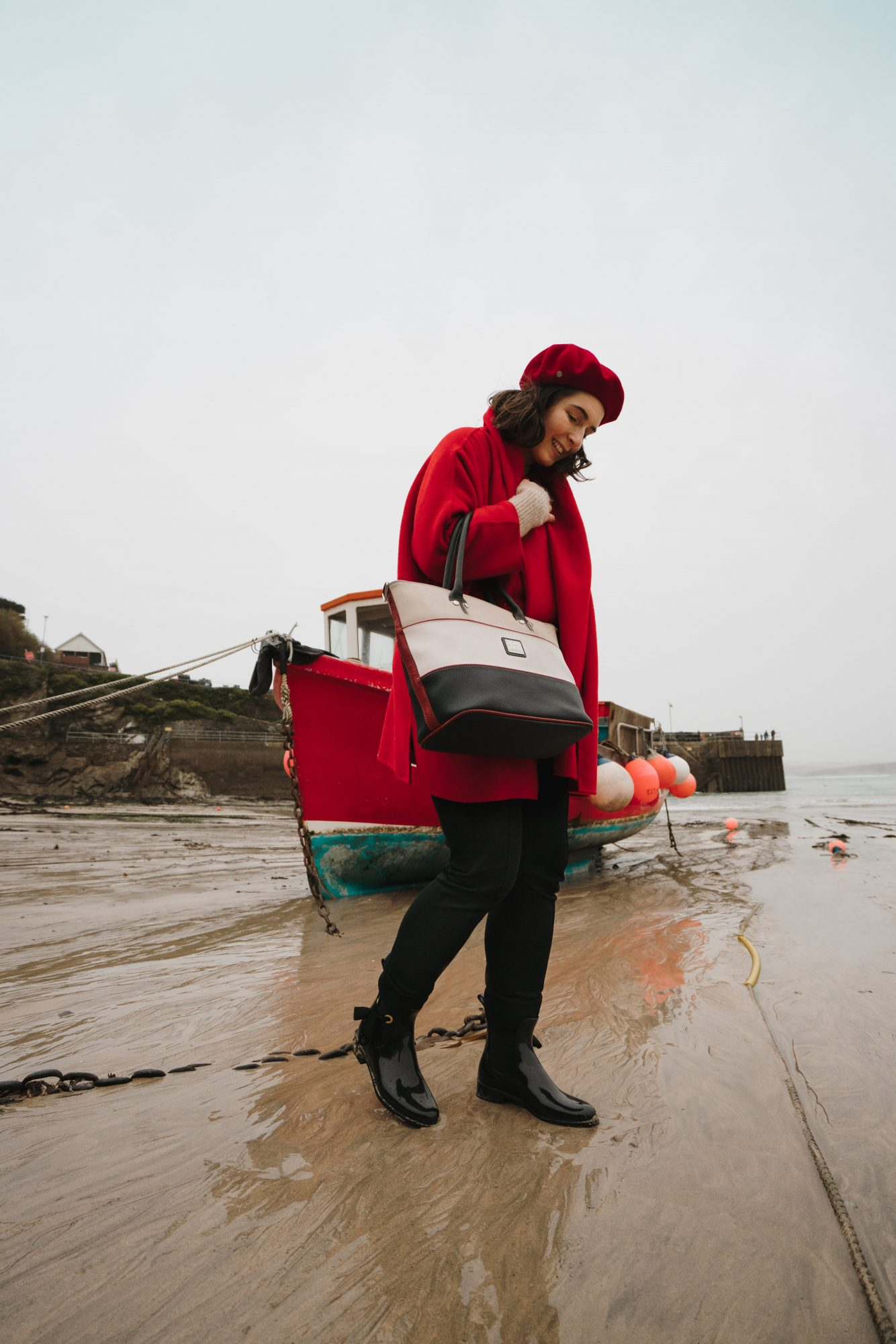 Red Beret Look wearing Cavalinho bag- Newquay Beach (5)