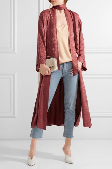 5 modern ways to wear jeans - kimono