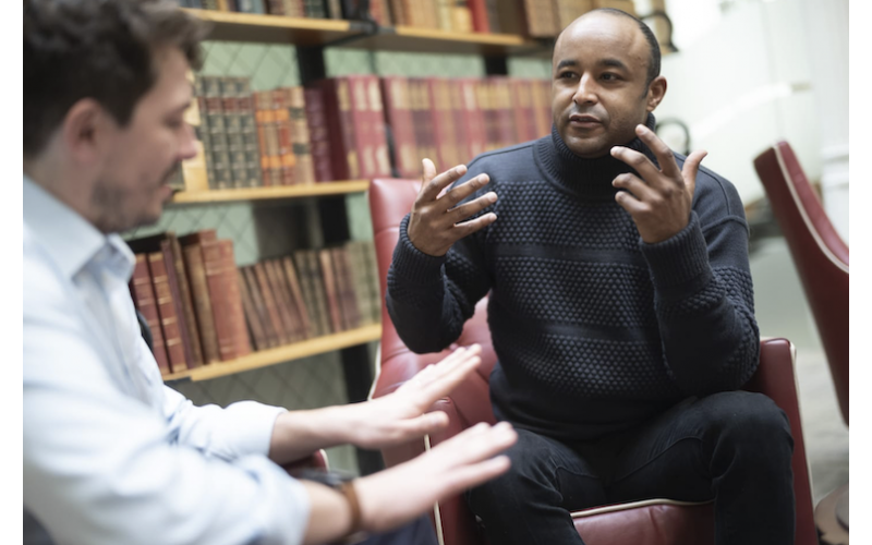 Win a FREE session with Celebrity hypnotherapist Aaron Surtees
