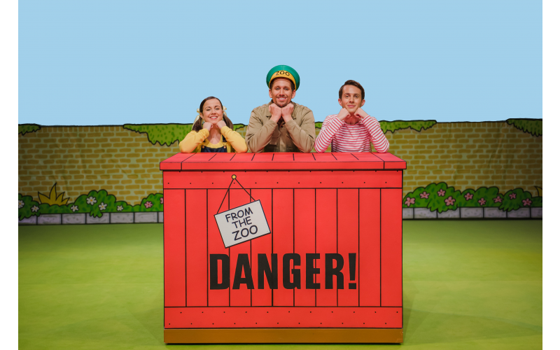 Win a family ticket to Dear Zoo LIVE ON STAGE!