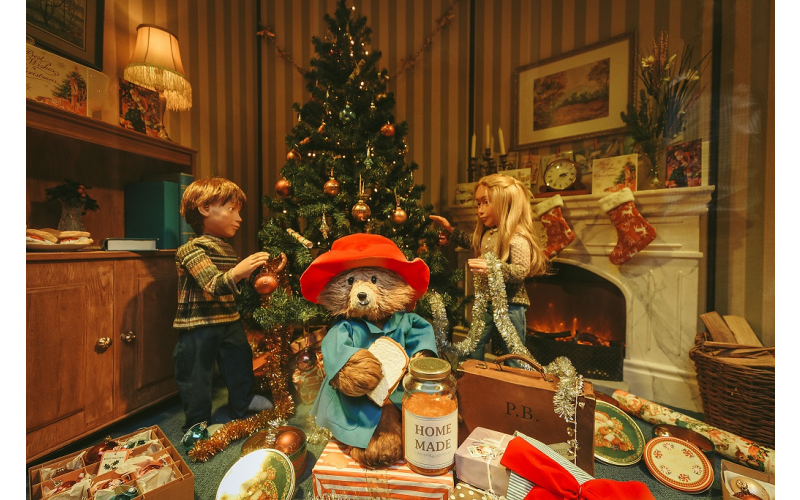 WIN! A CHRISTMAS BREAK TO SEE FENWICK NEWCASTLE'S FAMOUS ANIMATED WINDOW WITH A COSY OVERNIGHT STAY AND SHOPPING GIFT CARD