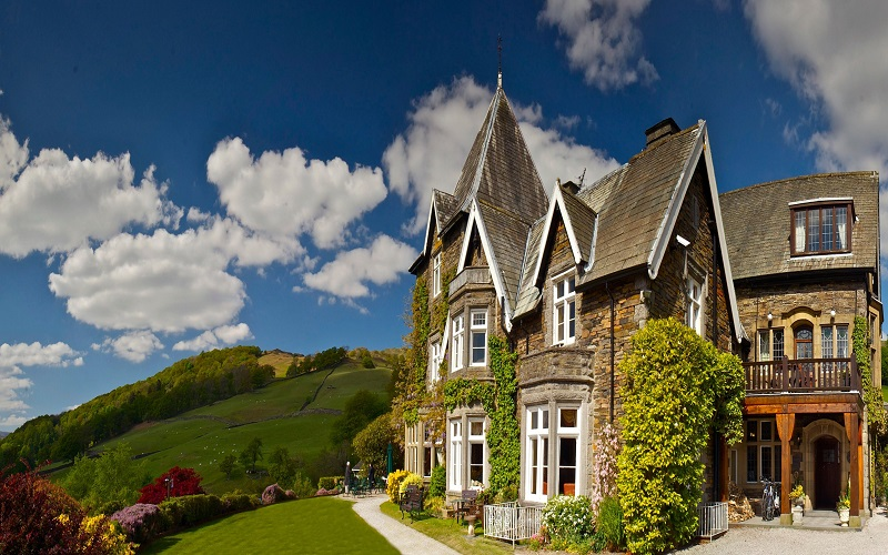 Win a one-night stay in a Lake View Suite at Holbeck Ghyll.