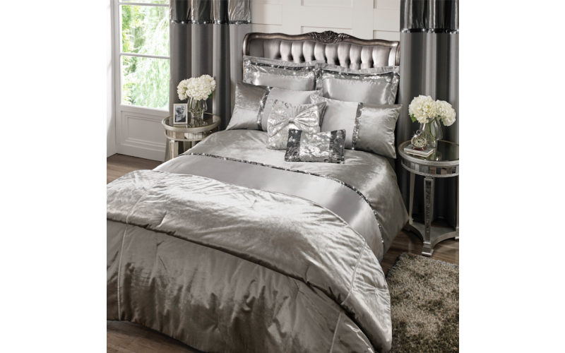 A stunning By Caprice Home bedding set!