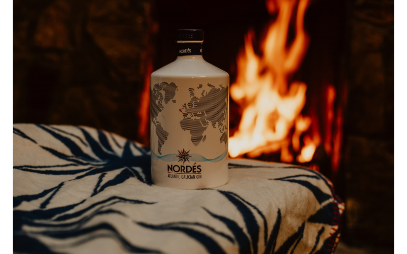 WIN Nordés Gin bottle and limited-edition luxury blanket