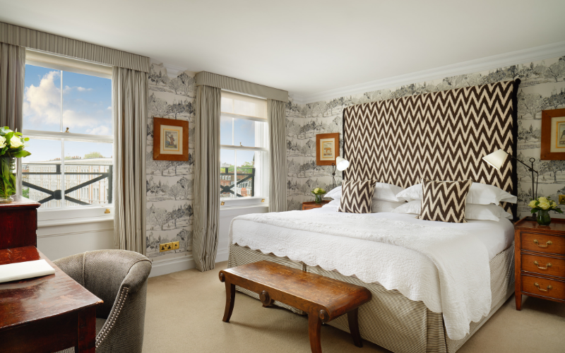 Win an overnight stay in one of the Junior Suites at The Pelham Starhotels Collezione