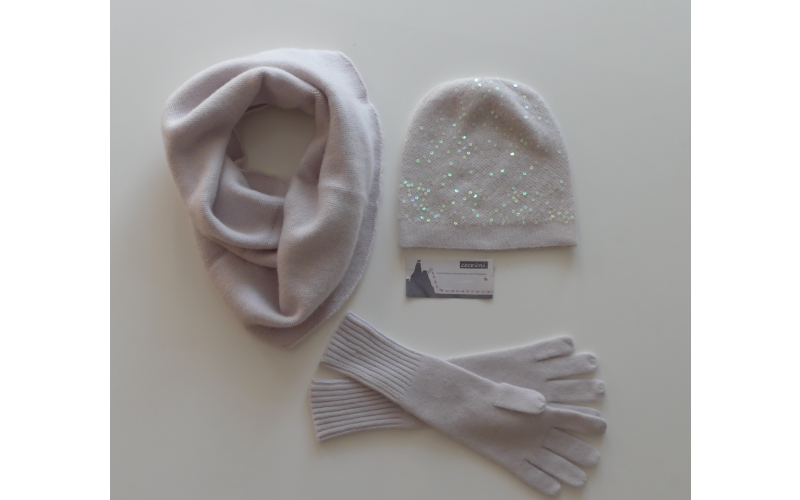 A £285 CASHMERE BUNDLE