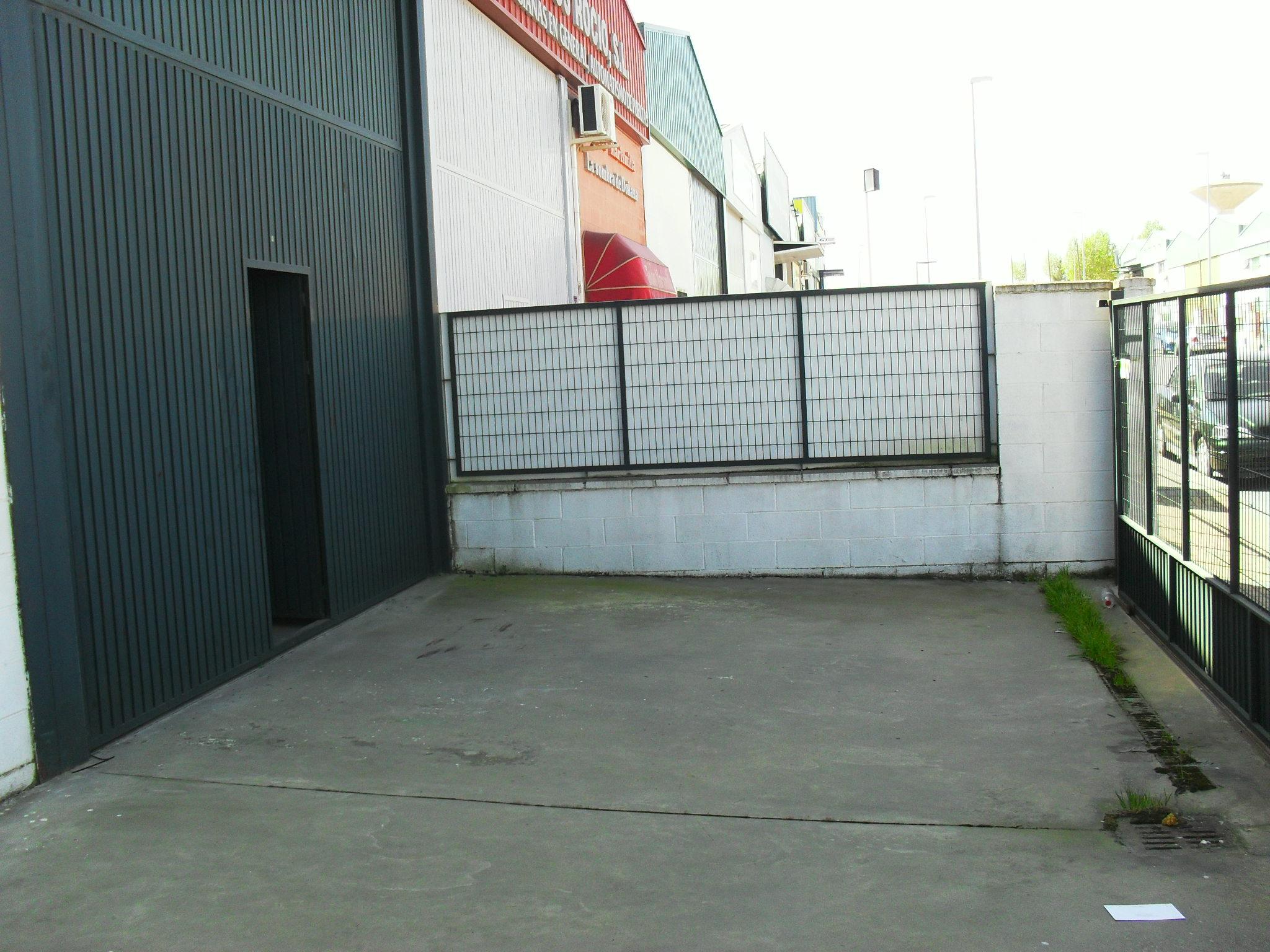 Nave industrial Polígono el Tomillar, en Almonte, Huelva