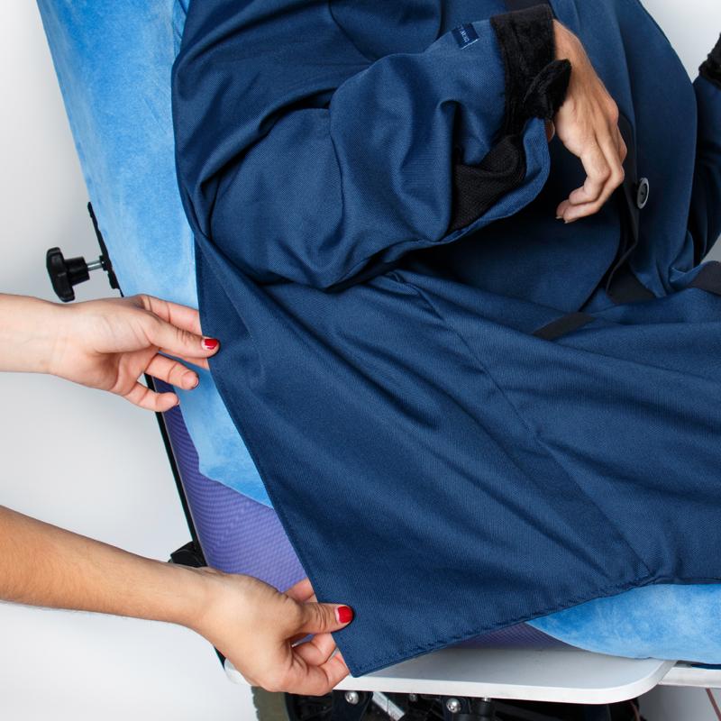 Focus manteau alba marine noir fauteuil roulant albatros