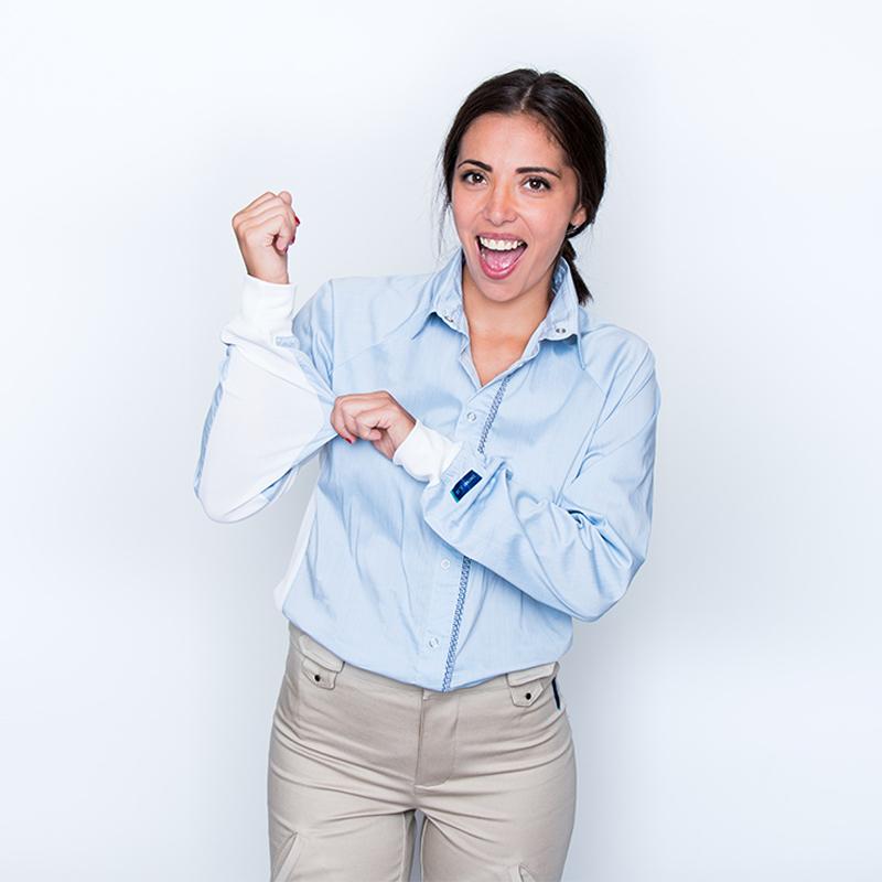 Chemise mahe bleu ciel blanc femme pratique handicap